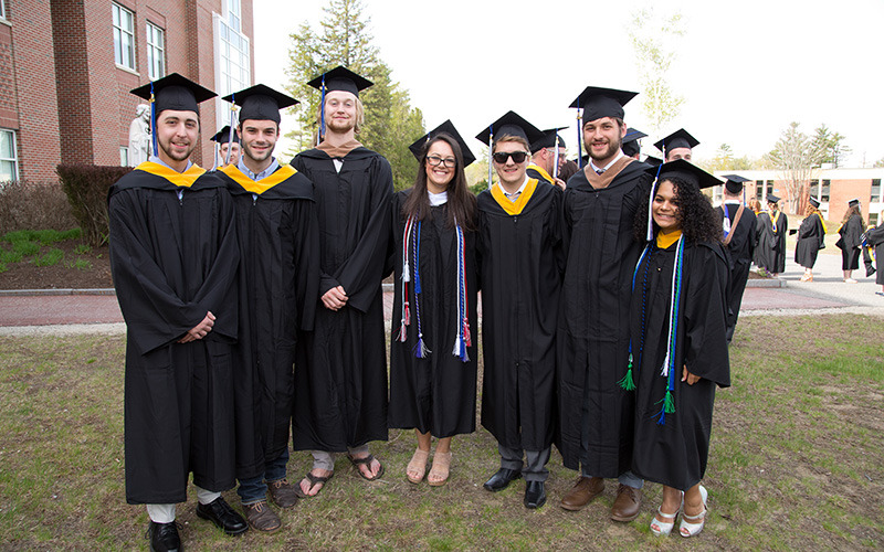 group of class of 2018 graduates from Saint Joseph's College of Maine